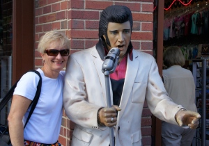 You never know who you'll meet on the street in Nashville.