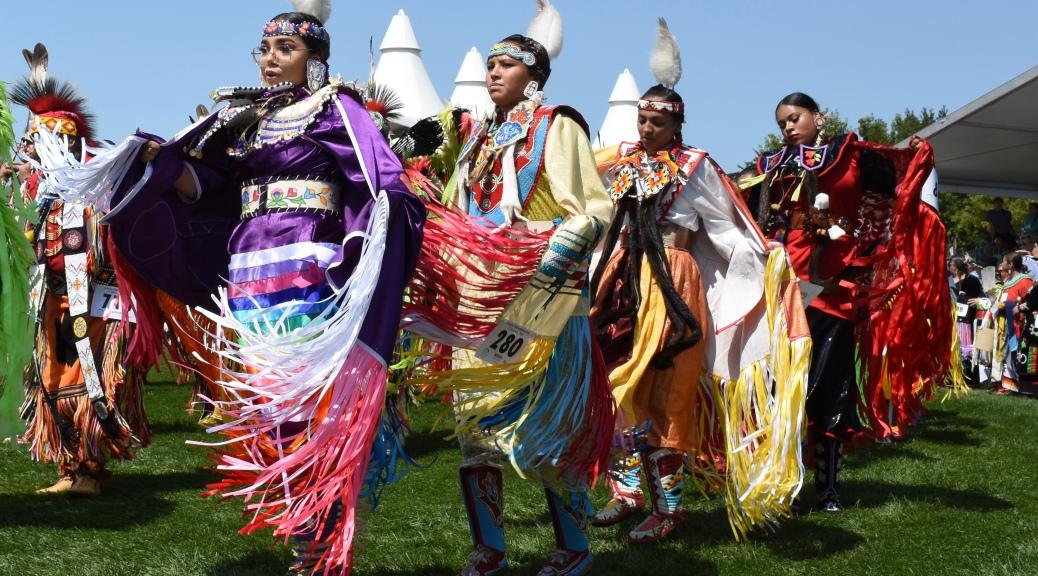 indigenous people dancing